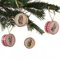 4 papir trommer til juletræ med motiv af gammeldags julemand