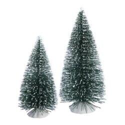 to små juletræer forskellige højder til nisselandskab og nissedør
