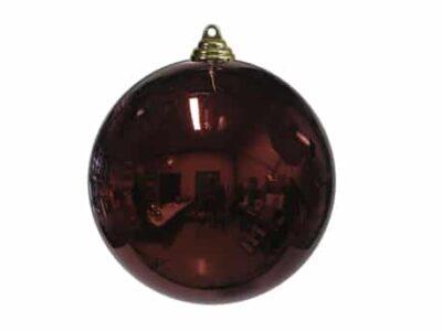 stor julekugle i plastik diameter 20 centimeter blank mørkerød overflade