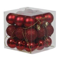 boks med 27 stk. små røde plastik julekugler med forskellige overflader