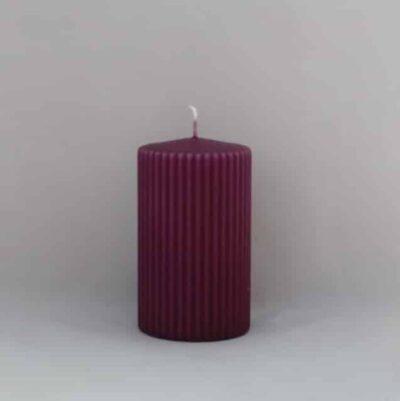 lilla stearinlys med riller som lyngby vase