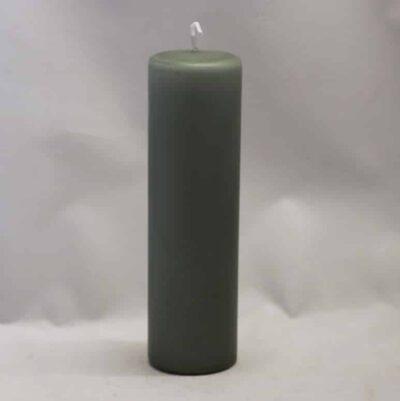 mosgrøn bloklys stearinlys med diameter 6 centimeter og højde 20 cm.