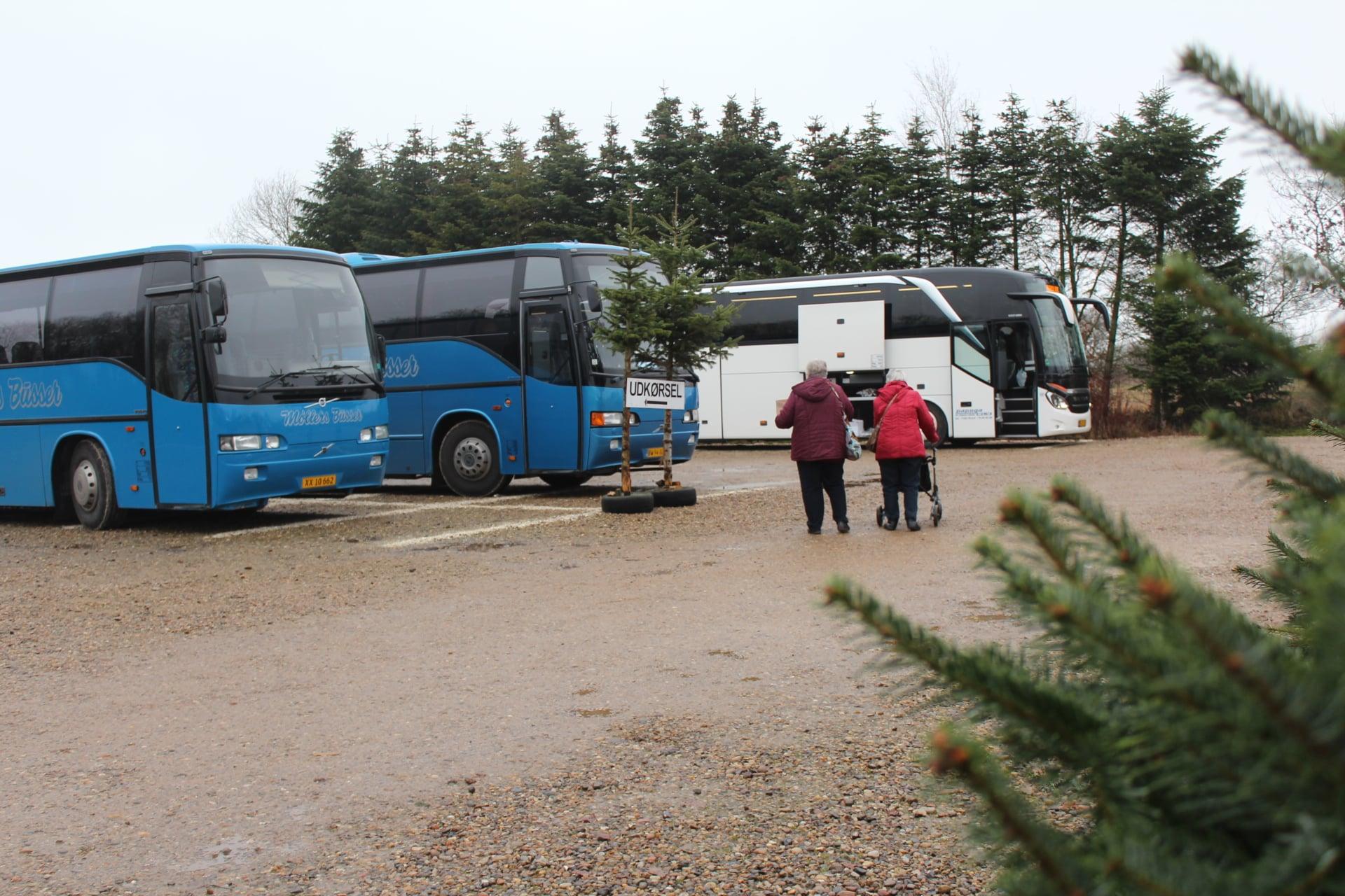 bustur til øster skovgård julehandel i herning