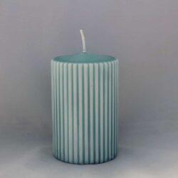 lyseblå bloklys med riller diameter 7 centimeter tyk stearinlys