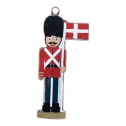 metalfigur som nøddeknækker soldater figur med flagstang med det danske flag